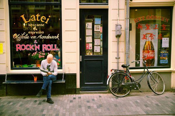 amsterdam-cafe-bike_49137_600x450
